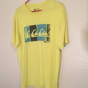 Quiksilver yellow graphic XL Tshirt